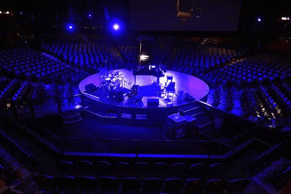 Lắp đặt loa Bose RoomMatch SMS118, RMU208 tại Celebrity Theatre, Phoenix, Arizona