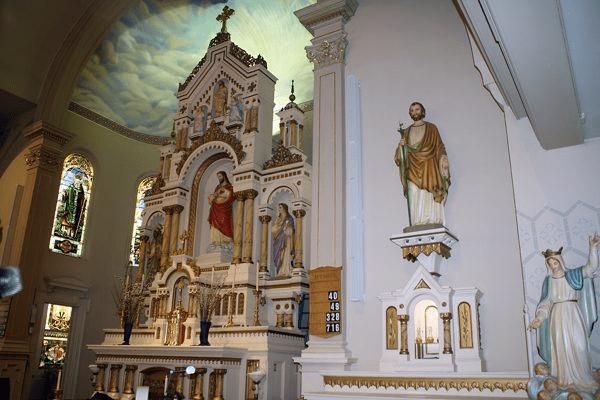 Lắp đặt Bose Professional Panaray MSA12X tại Nhà thờ Thánh Anthony ở Davenport, Lowa.