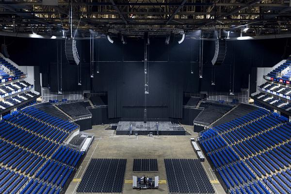 Lắp đặt loa Bose RMS218 subwoofer tại The O2 Arena
