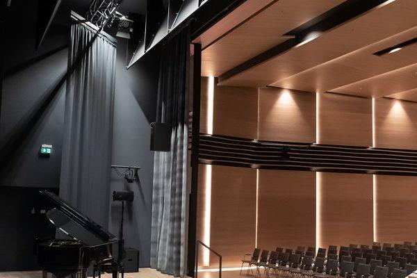 cấu hình hệ thống âm thanh phòng hòa nhạc