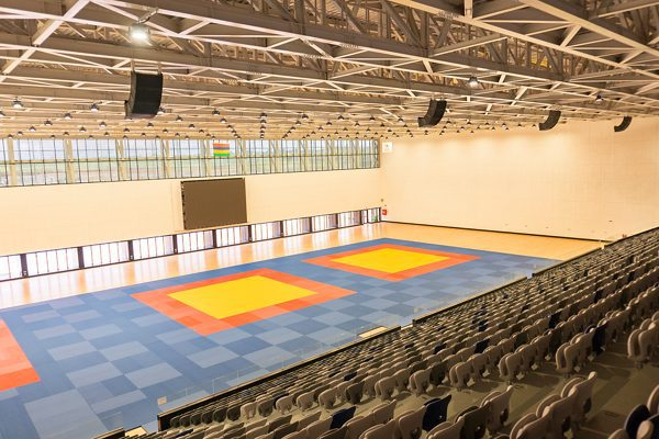 lắp đặt bose arenamatch tại nhà thi đấu thể thao