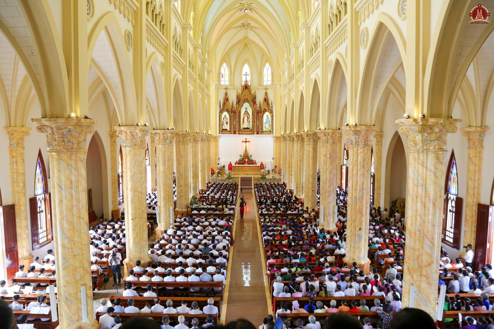 lắp đặt hệ thống âm thanh nhà thờ giáo xứ đại đồng bùi chu